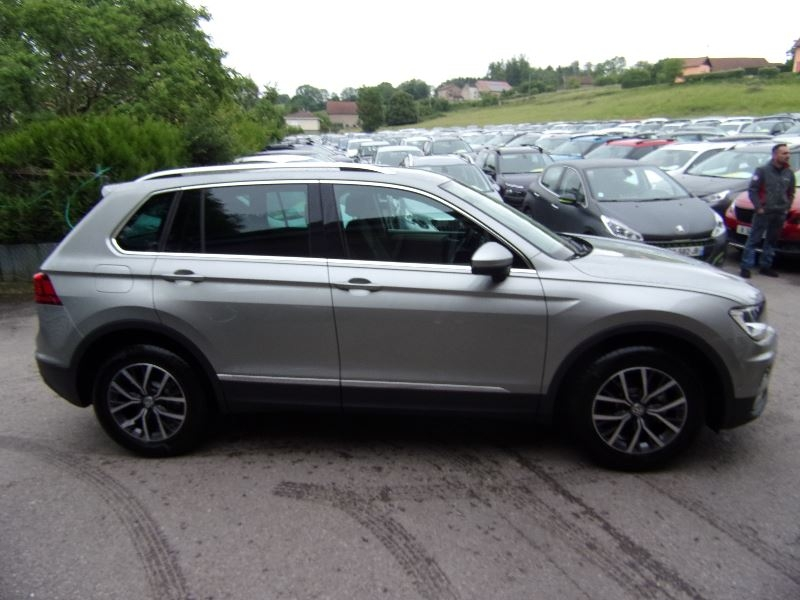 Photo 3 de l'offre de VOLKSWAGEN TIGUAN III CONFORTLINE 2L TDI  GPS CAMÉRA PK ASSIST AUDIO MP3 USB RE BLUETOOTH RÉGULATEUR à 27990€ chez Bougel transactions