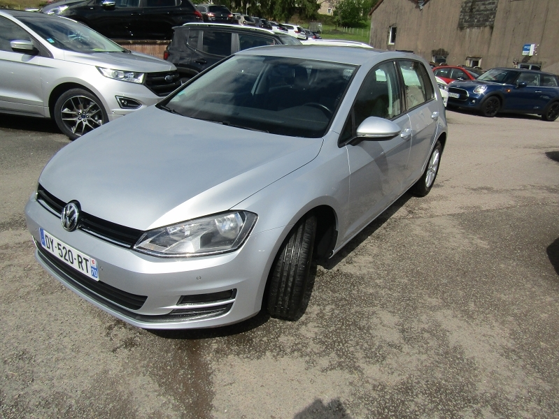 Volkswagen GOLF VII BLUEMOTION TECHNOLOGY TSI 85 CV ESSENCE GPS CLIM MP3 RADAR BLUETOOTH RÉGULATEUR Essence GRIS ARGENTÉ Occasion à vendre