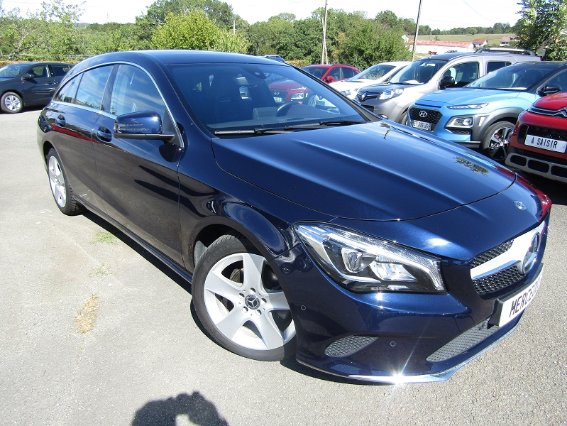 Mercedes-Benz CLA SHOOTING BRAKE 200 D BUSINESS EXECUTIVE EDITION 7G-DCT Diesel BLEU CELESTE Occasion à vendre